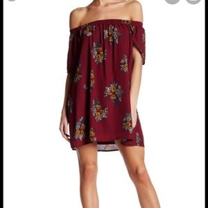 🍁🍂FALL READY🍁🍂OFF SHOULDER FLORAL DRESS🍁